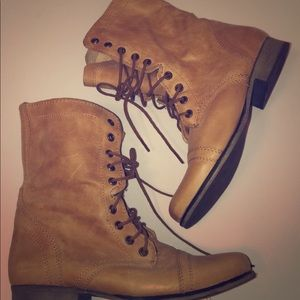 COPY - Steve Madden boots combat Boots 👢 size 7.5